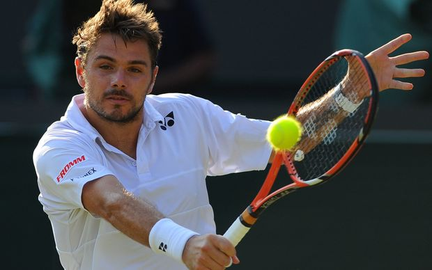 French Open winner Stan Wawrinka has been eliminated from Wimbledon at the quarter final stage.