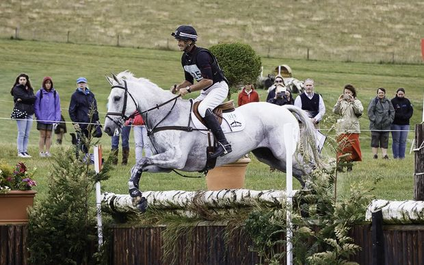 Avebury jumps with Andrew Nicholson on board at Barbury