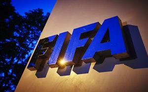 Firma en la sede de la FIFA en Zúrich.