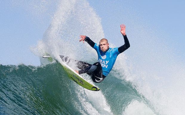Sufer Mick Fanning competing before the shark attack.