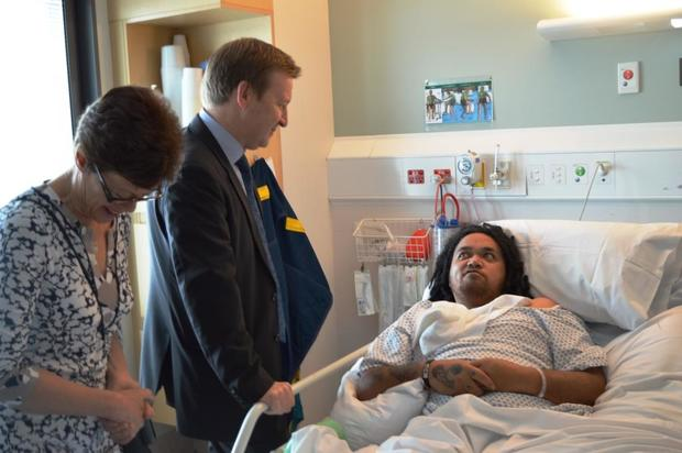 Health Minister Jonathan Coleman meets a stroke patient at Wellington Hospital.