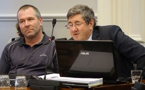 quarry owner Steve Clearwater (left) and his planning consultant Keith Hovell (right).