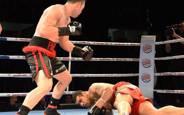 The New Zealand heavyweight Joseph Parker extends his unbeaten record to 15 fights with a first round KO of Bowie Tupou.