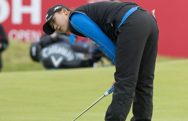 Lydia Ko watches a putt at the British Open, 2015.
