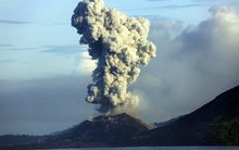 Smoke and ash fills the air as Mount Tavurvur erupts in Rabaul in eastern Papua New Guinea in 2014.