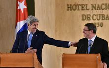 US Secretary of State John Kerry (L) and Cuban Foreign Minister Bruno Rodriguez deliver a joint press conference.