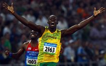 Usain Bolt wins 200m gold at 2008 Beijing Olympics.
