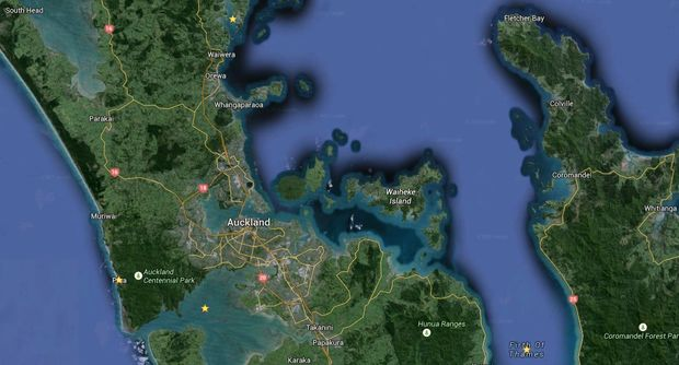 The claim extends from the Mahurangi Peninsula to the Firth of Thames, across the Manukau Harbour and up to Piha (marked with yellow stars).