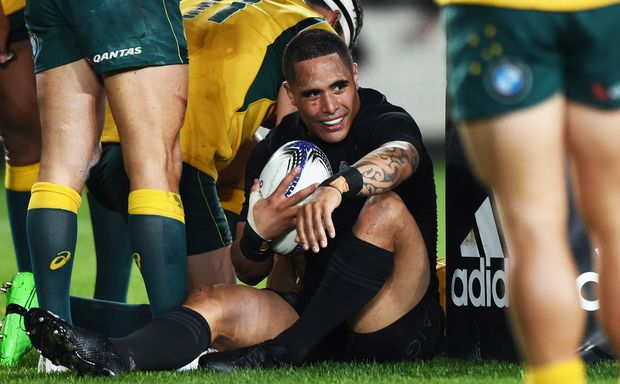 All Black halfback Aaron Smith
