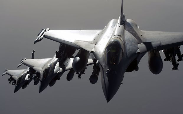 French army Rafale fighter jets flying towards Syria.