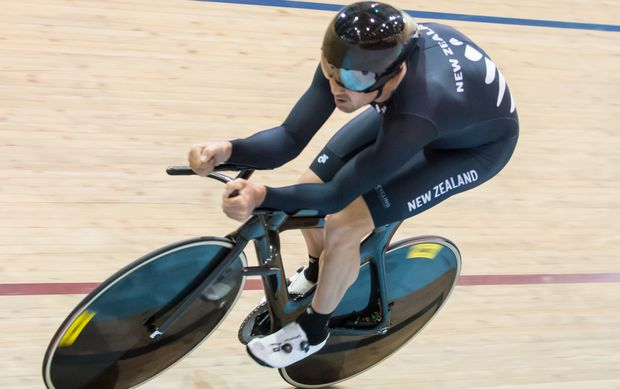 New Zealand's Hayden Roulston on the way to winning the men's individual pursuit at the Oceania track championships. 2015.