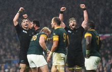 Kieran Read and Richie McCaw celebrate win over South Africa RWC2015