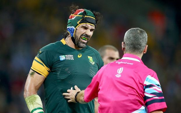 South Africa's Victor Matfield with referee John Lacey ©INPHO/Dan Sheridan