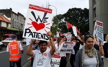 Auckland health workers protest after negotiations on how to extend weekend services came to a halt.