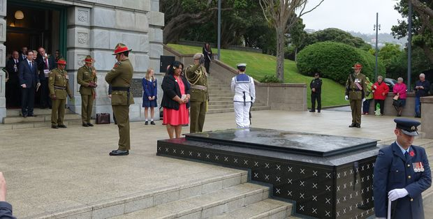 People gathered at the tomb of the Unknown Warrior in Wellington on Armistice Day, 2015