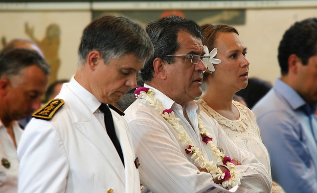 Ceremony in Tahiti to remember victims of Paris attacks