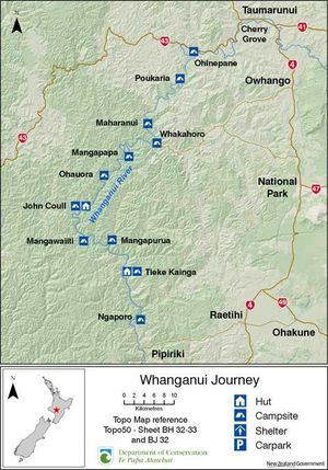Whanganui River map of DoC campsites and huts.