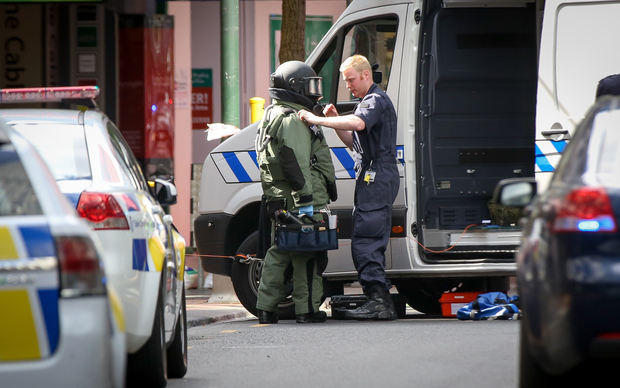 Police bomb squad attends to suspicious package on Wellington's Lambton Quay.