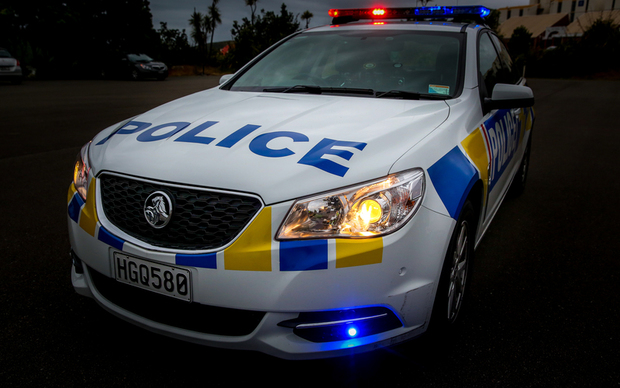 Police car rammed, teens hurt in Hamilton police chase | RNZ