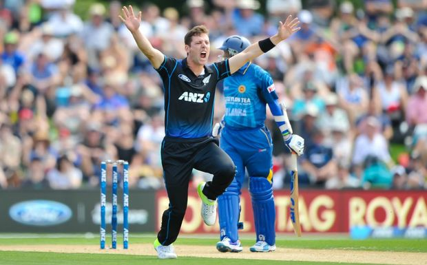 Black Caps bowler Matt Henry appeals for a wicket during the first ODI at Hagley Oval, Christchurch, 26th December 2015. Copyright Photo: John Davidson / www.photosport.nz