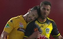 The Mariners' Roy O'Donovan headbutts the Phoenix's Manny Muscat