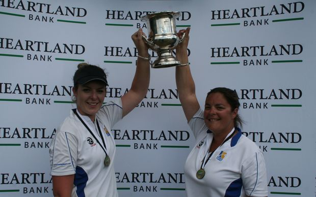 The Boyd sisters Mandy and Angela defended their women's pairs title
