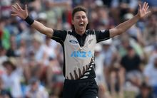 Trent Boult of New Zealand successfully appeals for the wicket of Sri Lanka's Shehan Jayasuriya