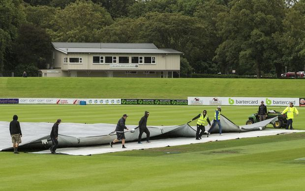 Rain halts play in the Ford Trophy elimination final between Canterbury and Otago at Hagley Oval, 27 January 2016. Photo: Joseph Johnson / www.photosport.nz