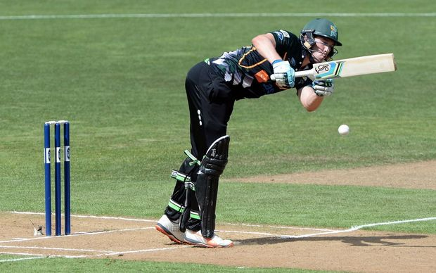 Central Districts opener George Worker in action in the Ford Trophy final against Canterbury at Pukekura Park, New Plymouth, January 30, 2016. Copyright photo: Kerry Marshall / www.photosport.nz