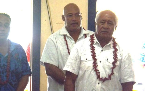 Former Tautua Samoa chief whip Lealailepule Rimon Aiafe (rear) and the Minister of Health, Tuitama Talaleilei Tuitama.