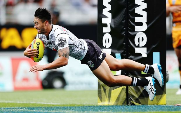 Shaun Johnson scores the winning try against the Broncos at the NRL Auckland Nines at Eden Park, Auckland, New Zealand. Sunday 7 February 2016. Photo: Anthony Au-Yeung / www.photosport.nz