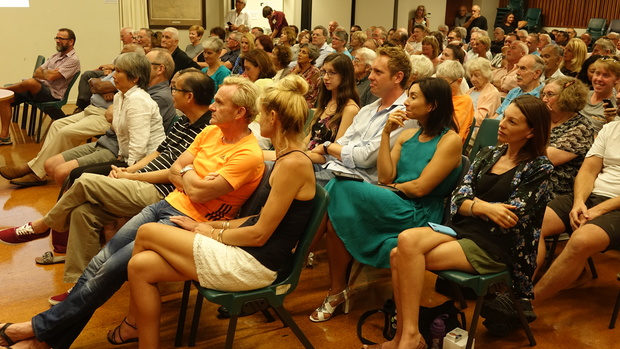 About 180 people turned out to listen to candidates for the Auckland mayoralty at a meeting in Ellerslie.