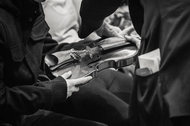 Sistema Aotearoa violin held as part of an Audio Described concert