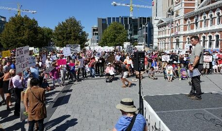 Hundreds protest tardy insurance claims in central Christchurch.