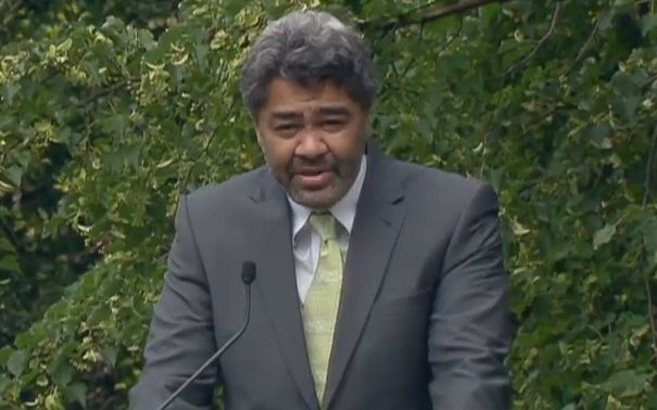 Dr Te Maire Tau opened the service.