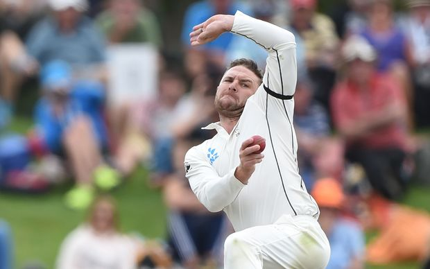 Brendon McCullum has a bowl in his last Test 2016