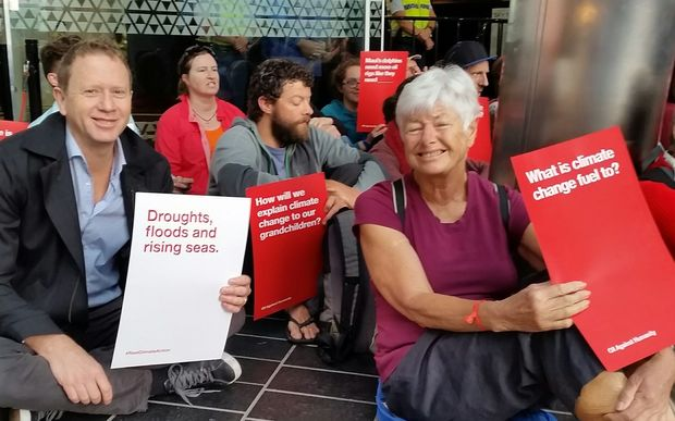 Russel Norman and Jeanette Fitzsimons at the petroleum conference protest in Auckland.