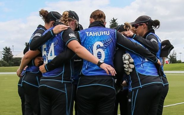 The White Ferns huddle before a match, 2016