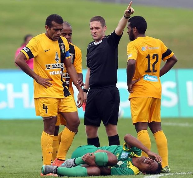 AS Magenta's Loic Wakanumune is sent off against AS Tefana.