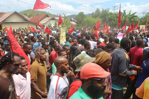 After being moved on by police from Jayapura city central, demonstrators in the Papuan capital moved through Waena.