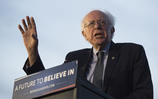 Sanders takes stage in OR as primary nears