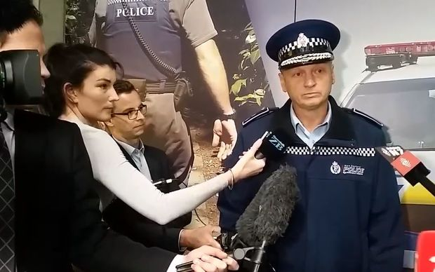 Police news conference on Porirua manhunt in Wellington, 22 April 2016.