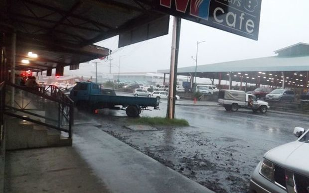 Heavy rain in Samoa's capital this morning as the nation awaits tropical cyclone Amos.