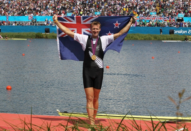 Mahe Drysdale celebrates winning gold in the Men's Single Sculls Olympic Rowing Final at the London 1012 Olympics.