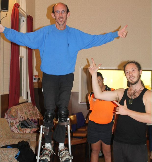 Ta-dah! Jason up on his stilts.
