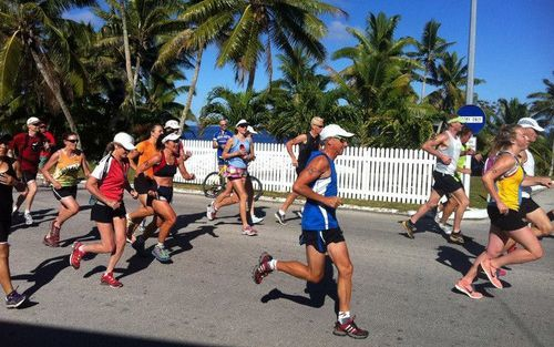 Runners during the Niue Rockman Series.