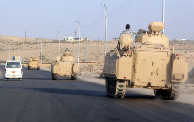 Egyptian armoured vehicles in the Sinai Peninsula .