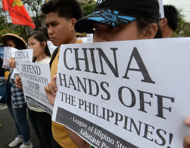 Filipinos object to China's claims in South China Sea