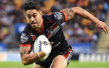 Shaun Johnson sees the try line.