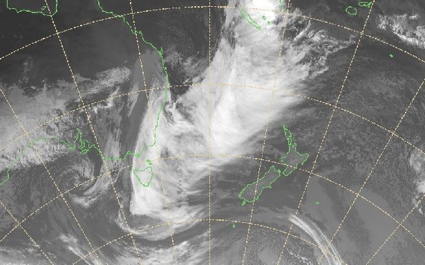 An infrared satellite image of Australia's south-east coast at 6pm.
